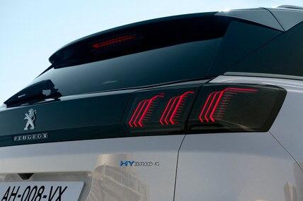 Novi SUV PEUGEOT 3008 HYBRID – HYBRID4 monogram