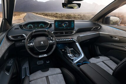 Novi SUV PEUGEOT 3008 HYBRID – Velika HYBRID unutrašnjost sa Alcantara sedištima